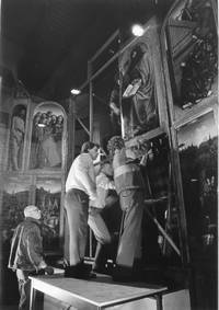 Conservators working on The Ghent Altarpiece   Speurrsite